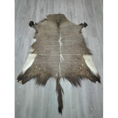 Tapis africain en peau de nyala 130x120 cm Zerimar - 2