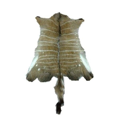 Tapis africain en peau de nyala 90x75 cm Zerimar - 1